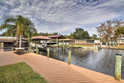 Welcome to your Homosassa home-away-from-home!