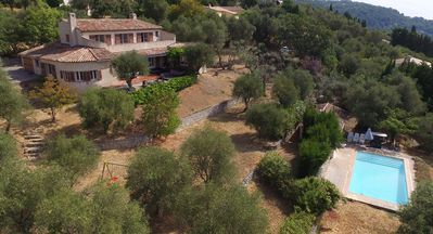 Photo for Very large Provencal villa, panoramic view, absolute calm