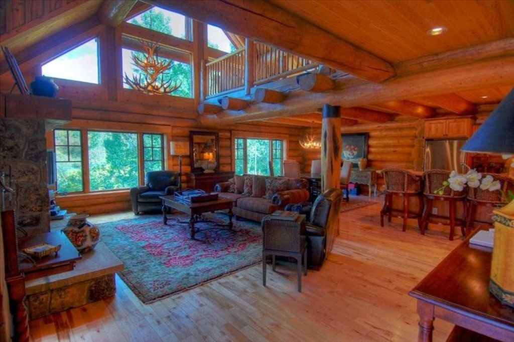 Ski Lodge 4400 Sf Sleep 8 10 Log Lodge Burgess Creek