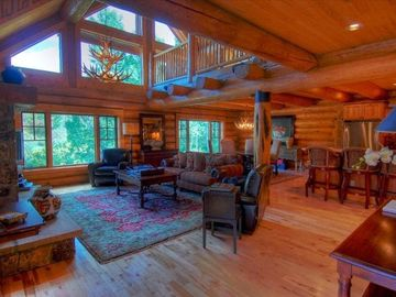 Burgess Creek, Lodges (Steamboat Springs, Colorado, United States)