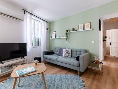 Photo for Large apartment completely refurbish by an interior designer, 1 minute from the old port