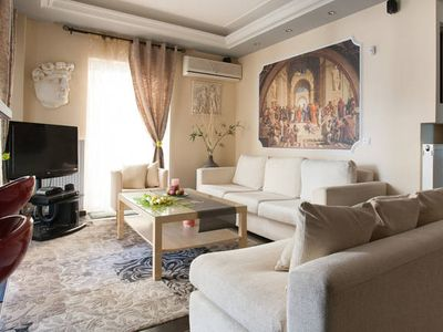 Photo for Petit Palais 2, central, 3 bedrooms, terrace, metro at 50m