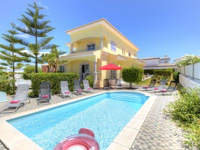 Photo for Villa near Ferragudo with 6 bedrooms and capacity for 12 people