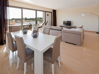 Photo for Luxury modern, spacious apartment, with fantastic sea views - Premier nº 44
