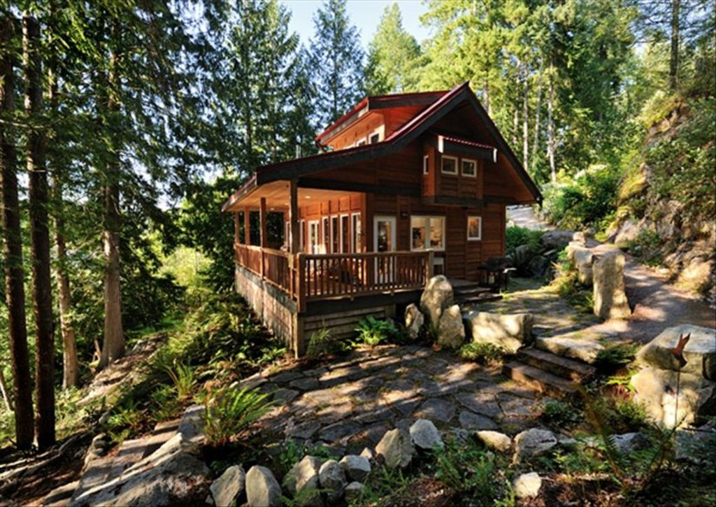 Waterfront West Coast Cabin Offering Relaxed Romantic