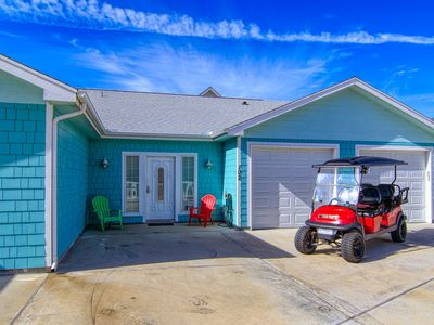 Photo for Island Time 102, Pool, Close to Beach, WiFi, FREE 6 PASS GOLF CART