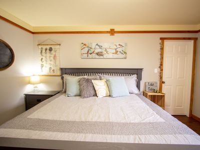Photo for Cozy Cabin Getaway. Fireplace, king bed, hot tub, Pet OK.