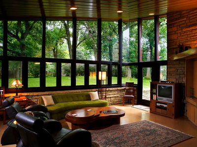 Exceptional Austin House Rental   Guest Living Room Where Frank Lloyd Wright Brings The  Outdoors Inside Part 26