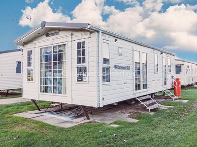 Photo for 5 berth caravan for  hire at California Cliffs, Scratby, Norfolk ref 50024
