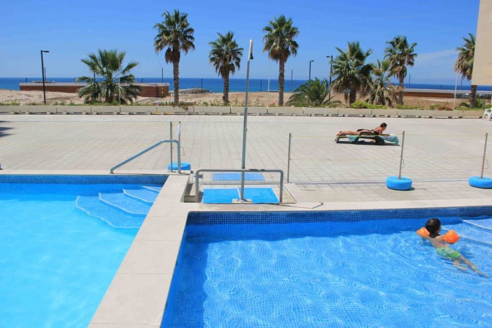 Costa da caparica charmant appartement 50 m tres de la for Piscine 50 metres