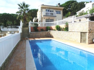 Photo for 6 bedroom Villa, sleeps 13 with Pool, WiFi and Walk to Shops