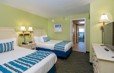*1 BR BEACHFRONT SUITE WITH OCEANFRONT VIEWS AND OCEANFRONT WATERSLIDE!*