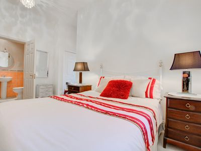 Photo for Pencliff - Two Bedroom Apartment, Sleeps 4