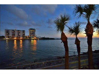Photo for 'Oasis On The Water'... Land's End Beachfront Condo