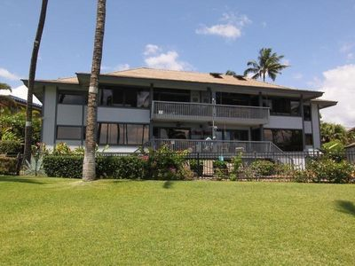 Oceanfront Luxury Maui Condo- Air Conditioned- Beautiful 2 bedroom 2 Bath