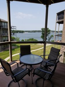 Spacious condo on East Lake Okoboji, tons of family friendly amenities!