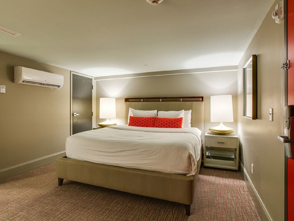Closest Vacation Rental to Broadway - DOWNTOWN NASHVILLE  - 2nd Ave - Broadway