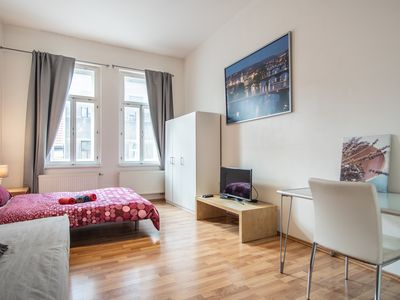 Photo for Studio 2 - Family/Friendly flat close to center by easyBNB