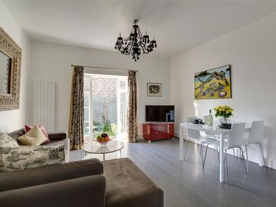 Photo for Lovely apartment for 2 guests with WIFI, TV, pets allowed and parking