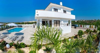 Protaras Holiday Villa DE2 -  a villa that sleeps 8 guests  in 4 bedrooms