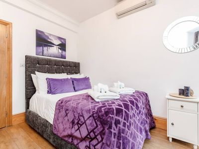 Photo for 2-bed 2nd floor apartment near Covent Garden T3 AIR