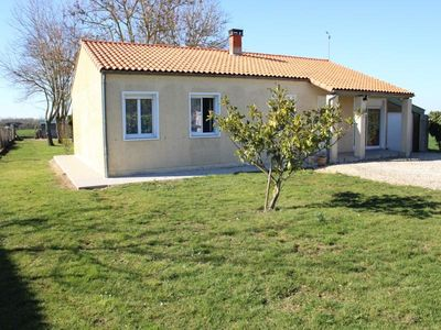 Photo for Villa Saint-Hippolyte (Charente-Maritime), 3 bedrooms, 6 persons