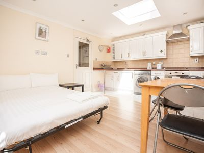 Photo for ONE BEDROOM APARTMENT, CENTRAL LONDON