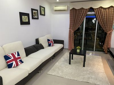 Photo for MOUNT AUSTIN COMFY LAKE VIEW 5-10 PAX NEAR TOPPEN IKEA AEON WATERPARK