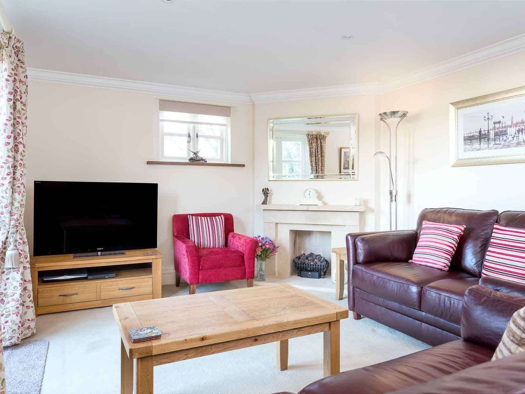 Headford Cottage: Headford Cottage is a beautiful townhouse, built ...