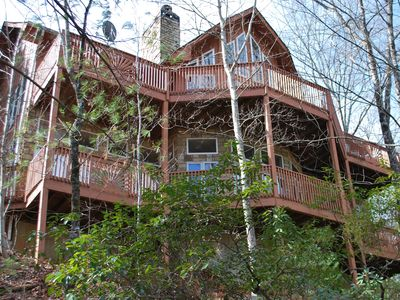 Southern Comfort Overlooks Helen Valley, driveway starts at Chattahoochee River!