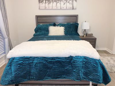 Photo for Cozy Queen Bed free breakfast by Emory University