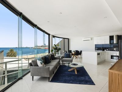 Photo for Stylish Bayside Living with Panoramic Views