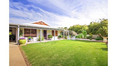 Photo for R&R Dunsborough Holiday Home