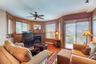 Snowbird Lodge 101 - Living Room