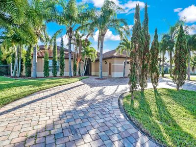 Photo for Las Palmas 1032 - 2 Story Courtyard Home with 5 Bed, 3 Bath, Heated Pool and Spa, OFF-Water Property