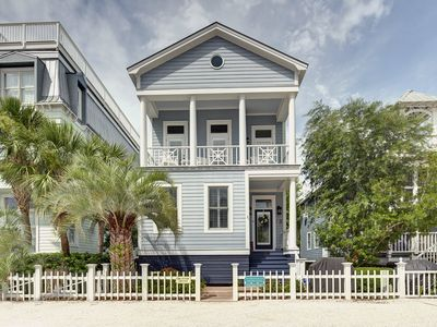 Photo for Immaculate Coast Cottage on St Simons Island