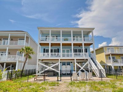 One Happy Shack, Luxury Oceanfront Beach House with Pool, Hot Tub and Theater Room