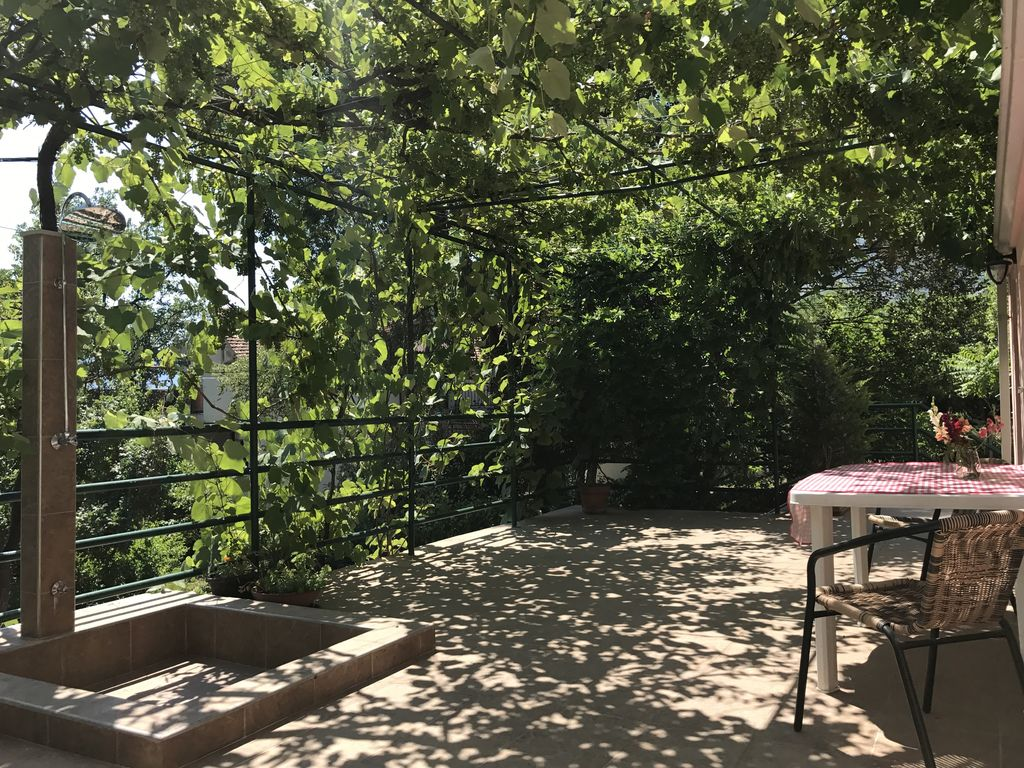 Property Image#3 Tranquillity u0026 comfort - spacious studio u0026 terrace relax under the & Tranquillity u0026 comfort spacious studio u0026 terrace relax under the ...