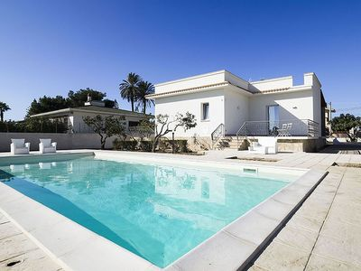 Photo for Luxury villa in Marsala with pool and private garden and only 400m from the sea