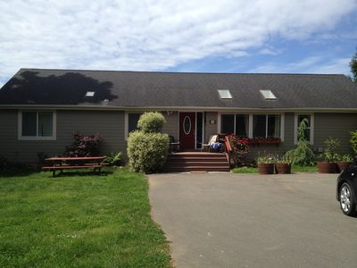 J&R Hideaway Chalet offers plenty of room to have fun!