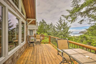 The surrounding woods reveal peek-a-boo views of the ocean!