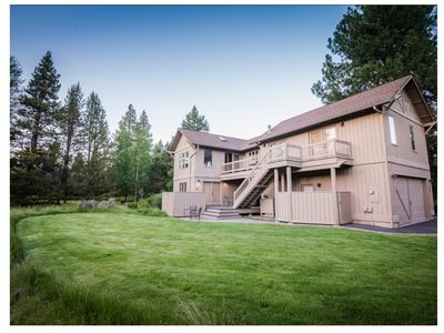 Photo for Beautiful Sunriver Lodge - 10 Sharc Passes -Air Conditioning - Central Location