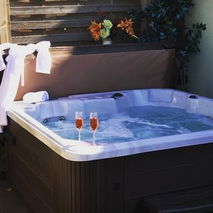 Photo for Detached  Luxury Renovated Farmhouse with Hot Tub