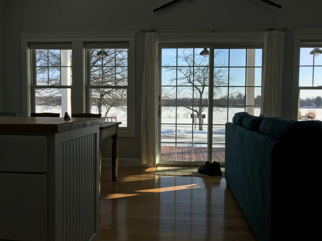 Charming New Construction Lakefront Cottage In Historic