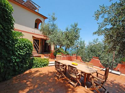Photo for 3 bedroom Villa, sleeps 8 with WiFi and Walk to Shops