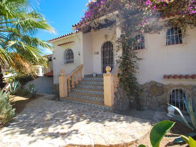 Photo for Centrally located spacious property with private pool - indoor pool