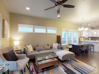 Photo for Spacious home close to downtown and hiking trails - perfect for families!