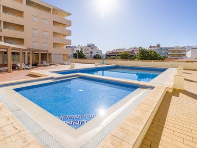 Photo for Nice city apartment with pool - 200m to the sea
