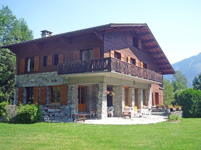 Photo for This 6-bedroom villa for up to 12 guests is located in Chamonix / Chamonix-Mont Blanc and has Wi-Fi.