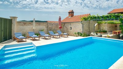 Photo for Nice stone villa with pool and tended garden